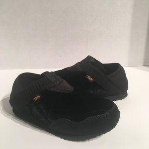 Teva Black Ember Moc Sleeping Bag Slipper Sneaker